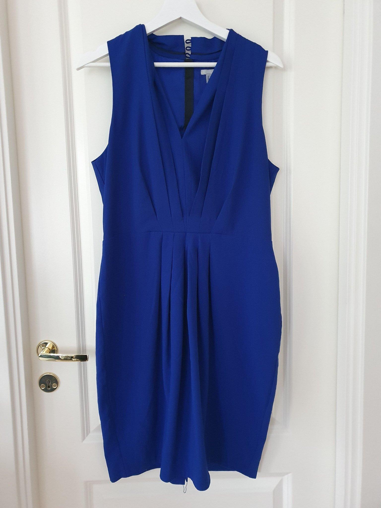 Klänning i storlek 42 (419730102) ᐈ Köp på Tradera