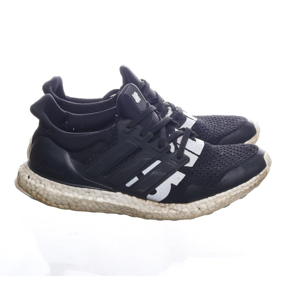 Adidas, Sneakers, Strl: 42, Ultra Boost Adidas x Undefeated, Svart