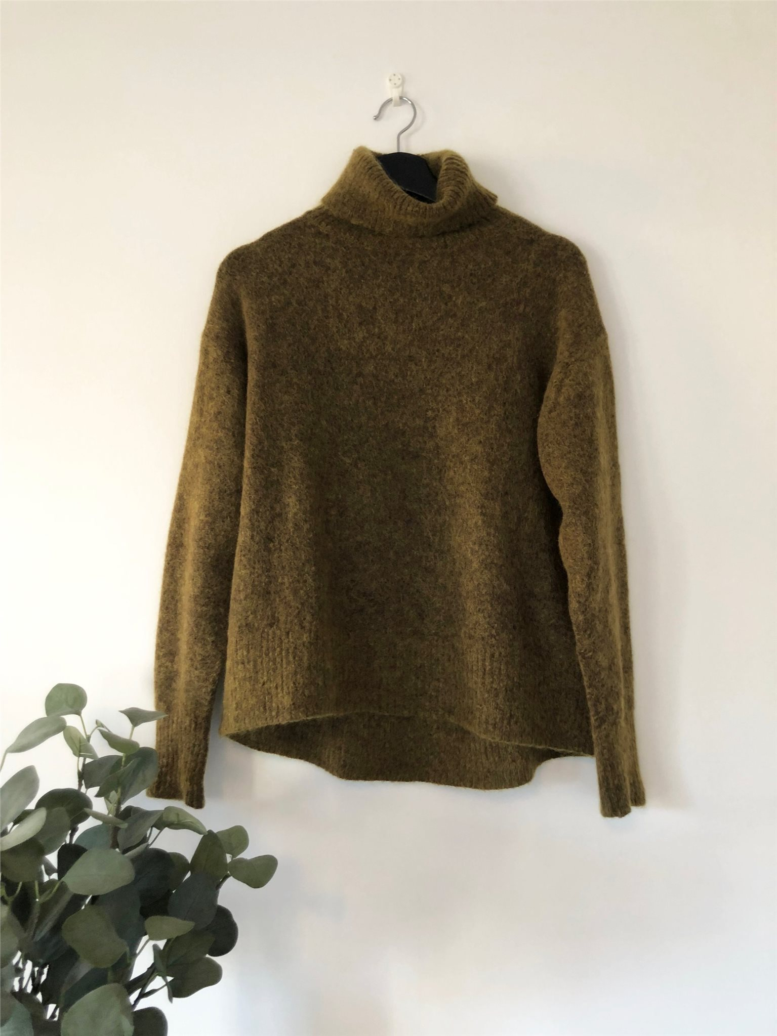 Green wool jumper from H&M Premium, size XS