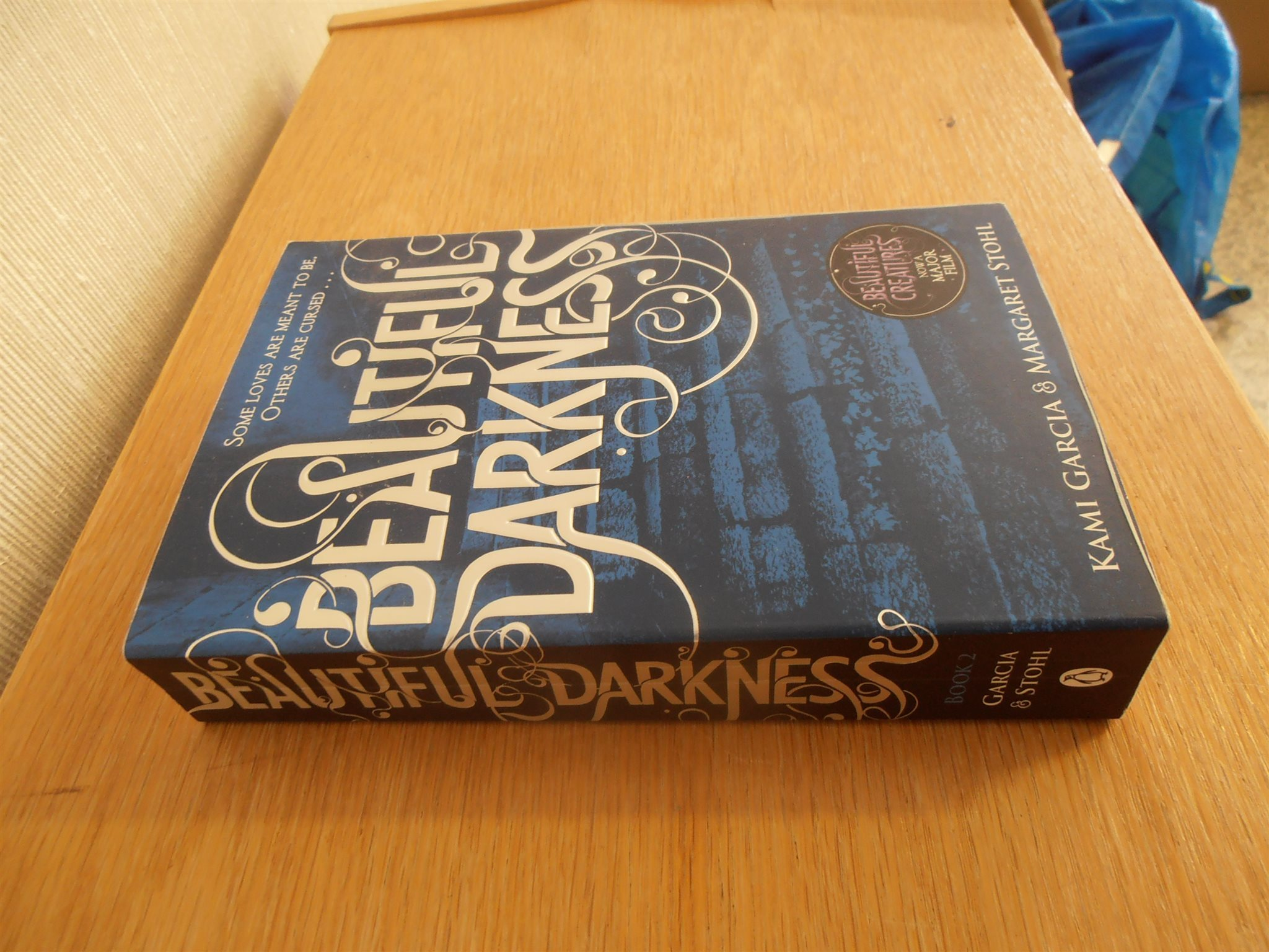 Beautiful Darkness Book Cover ~ Beautiful darkness book 2 kami garcia & margaret stohl på