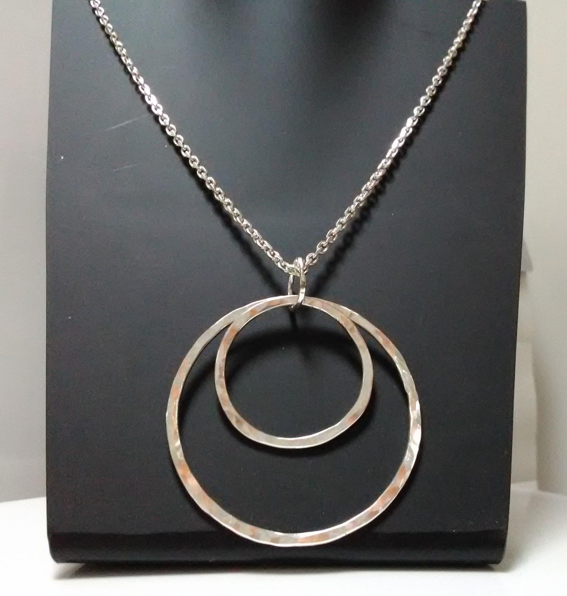 Halsband 925 Hamrade ringar D58mm.på 2 fa0443746f686