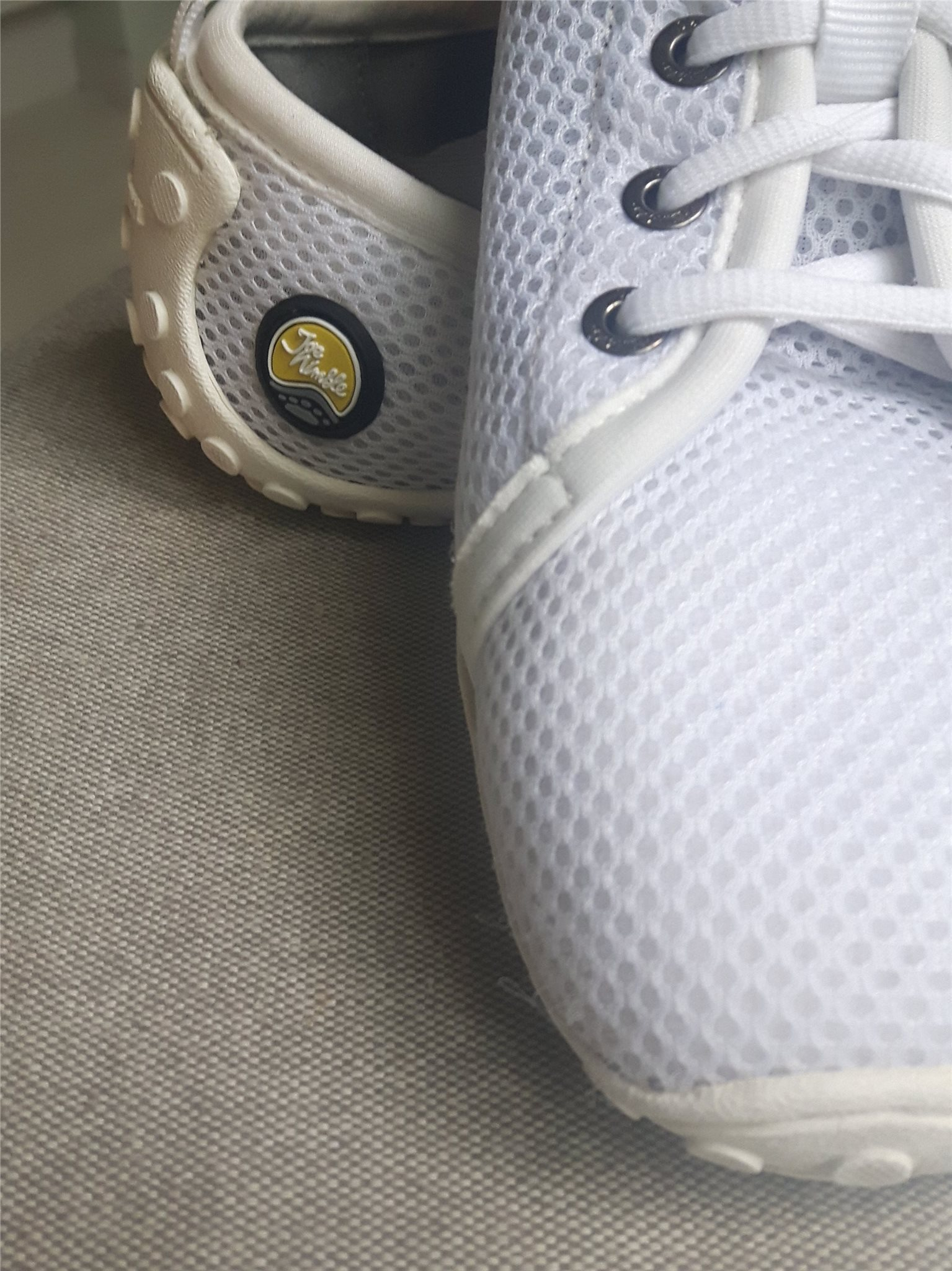 Joe Nimble Vita sneaker Barfotaskor Mkt Fräscha.. (333608175) ᐈ Köp ... cefe7673be897