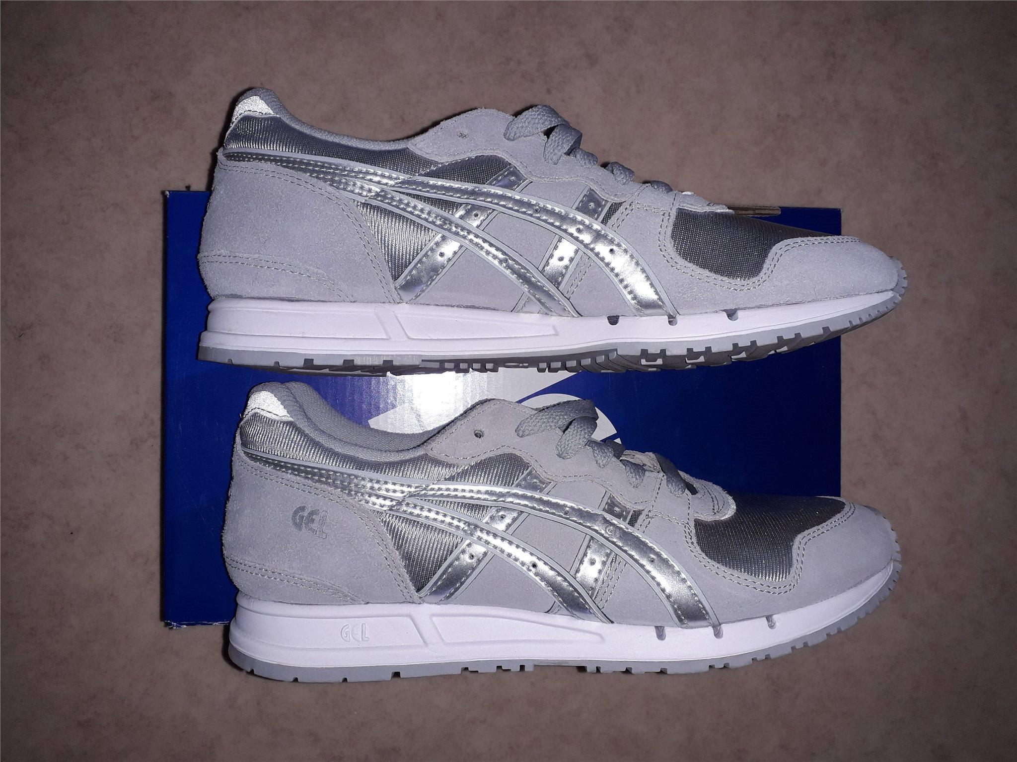 63532bd5c3a381 ASICS SKOR helt nya bekväma skor av mocka(skin.. (342394368) ᐈ Köp ...