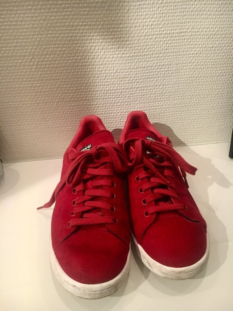 super popular d1067 9cd0a Adidas Stan Smith X Rita Ora Red