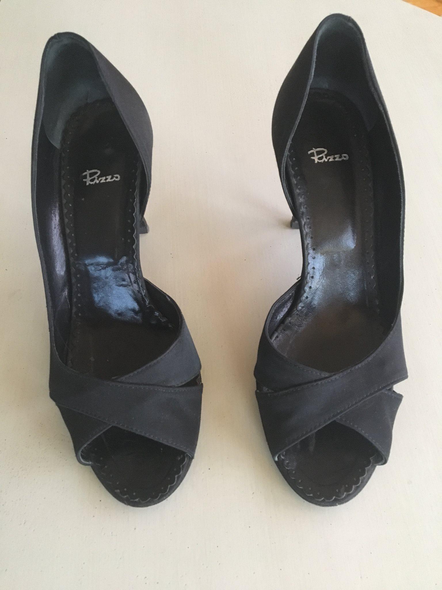 Svarta högklackade skor från Rizzo (338333729) ᐈ Köp på Tradera ee1092c5056cd