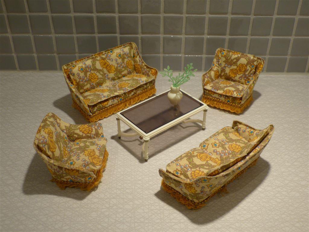 Lundby vardagsrum soffa fotölj bord till dockhus retro på Tradera ...