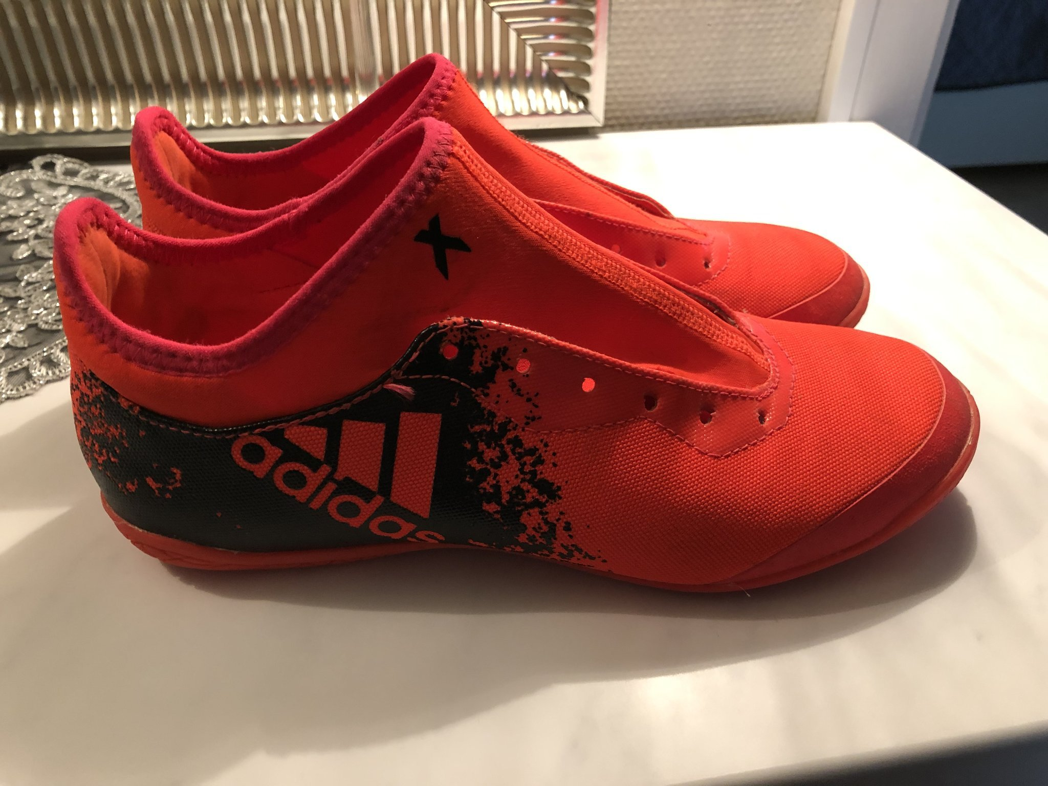 best service b06a0 2e90d Adidas fotbollsskor inomhus storlek 40