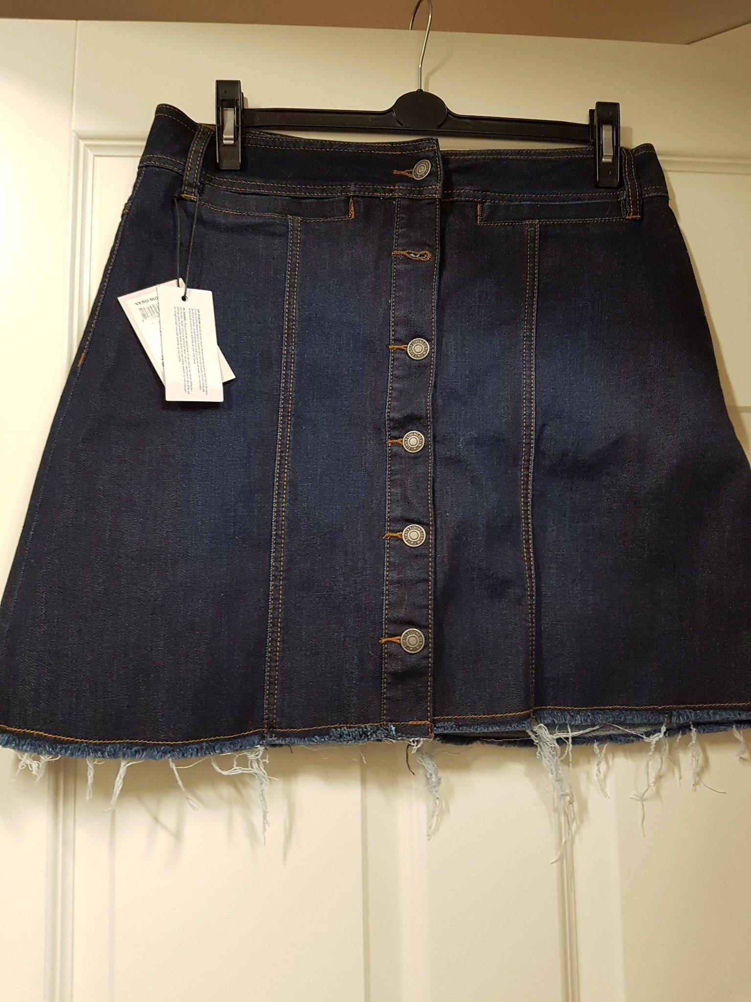 95939d917301 Ny Vero Moda jeanskjol (339797012) ᐈ Köp på Tradera