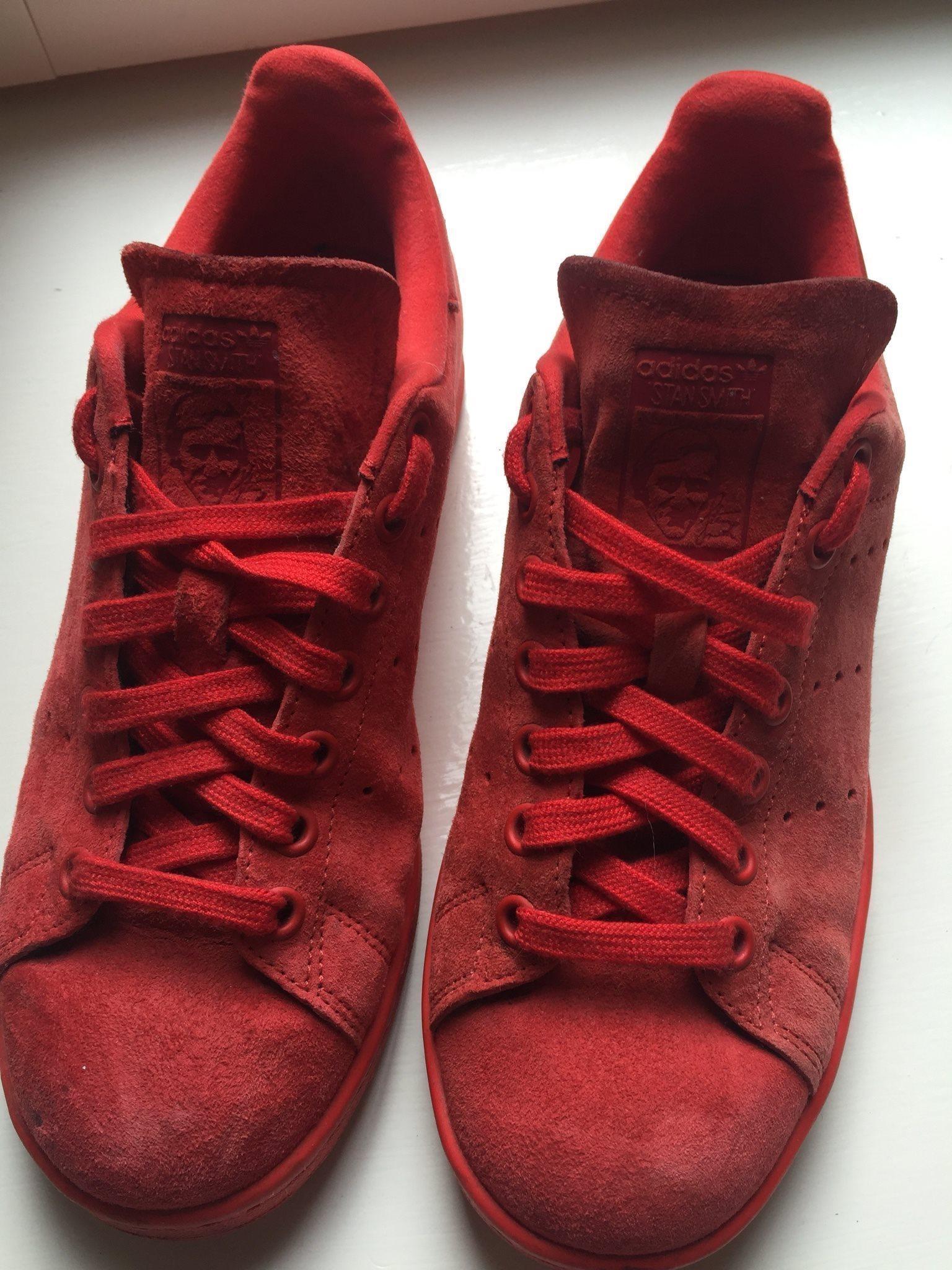 stan smith skor röda