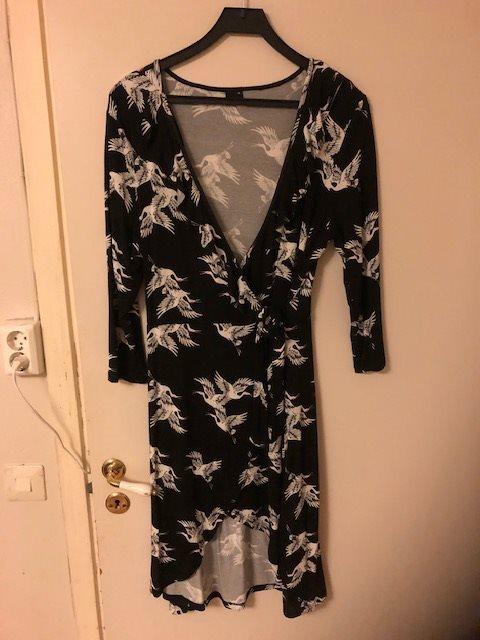 Ny omlottklänning från Gina Tricot 7e38e11f70983