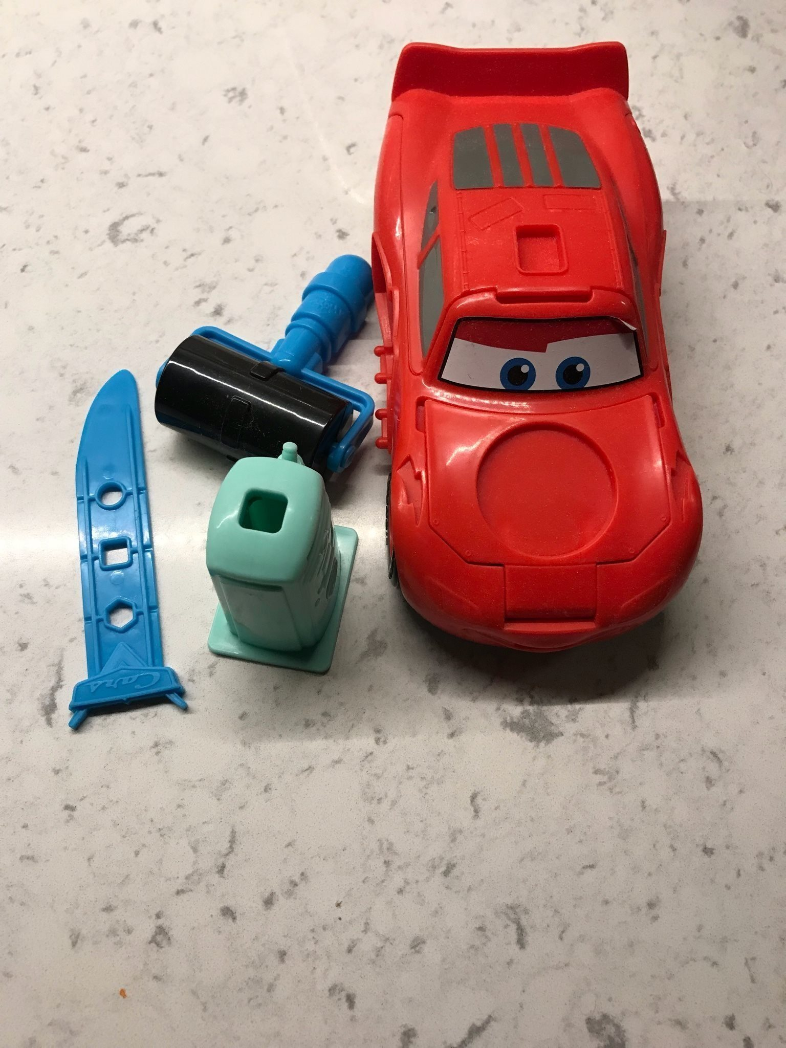 Play doy Disney cars 3 blixten mcqueen (340025293) ᐈ Köp på Tradera 336c7bda43001