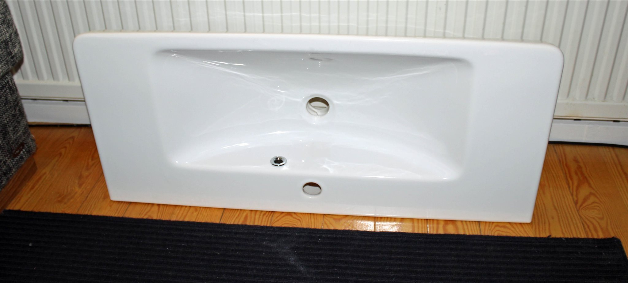Dansani tvättställ i vit porslin, 85 cm. Nytt oanvänt! på Tradera ...