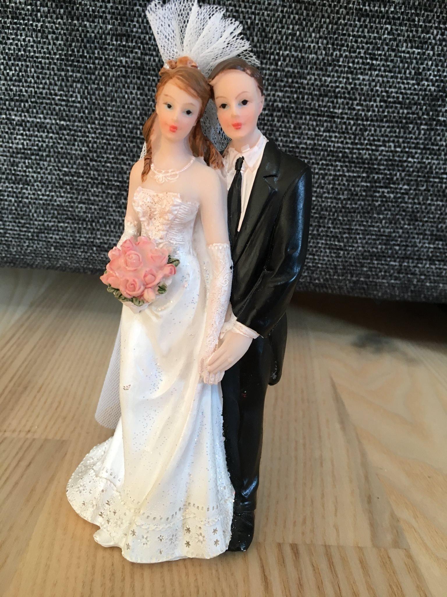 f8fbe17a5111 Ny tårtdekoration bröllop cake topper brudpar (352604152) ᐈ Köp på ...