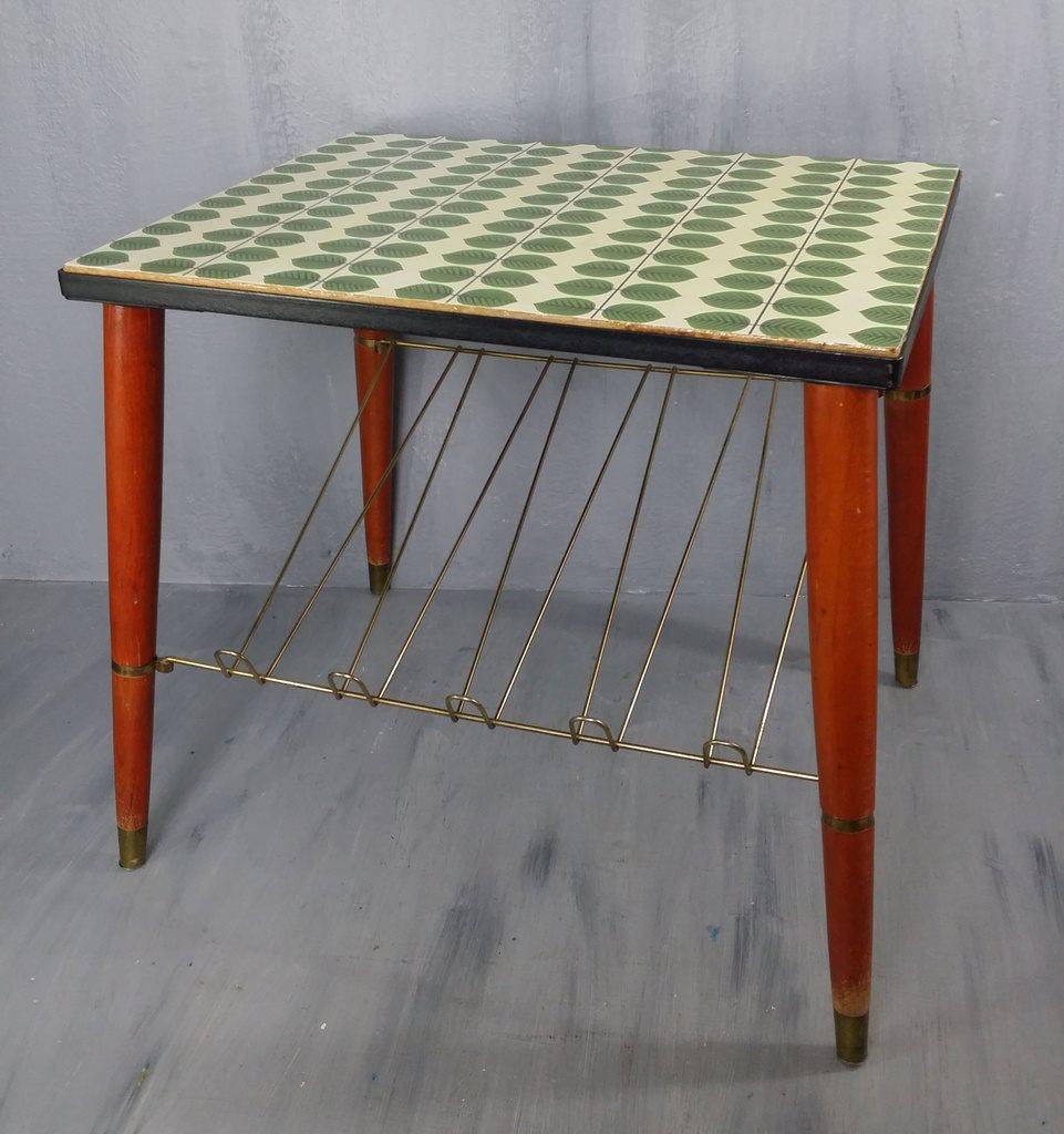 retro bord RETRO BORD MED TIDNINGSSTÄLL DEKOR BERSÅ (287603207) ᐈ Köp på Tradera retro bord