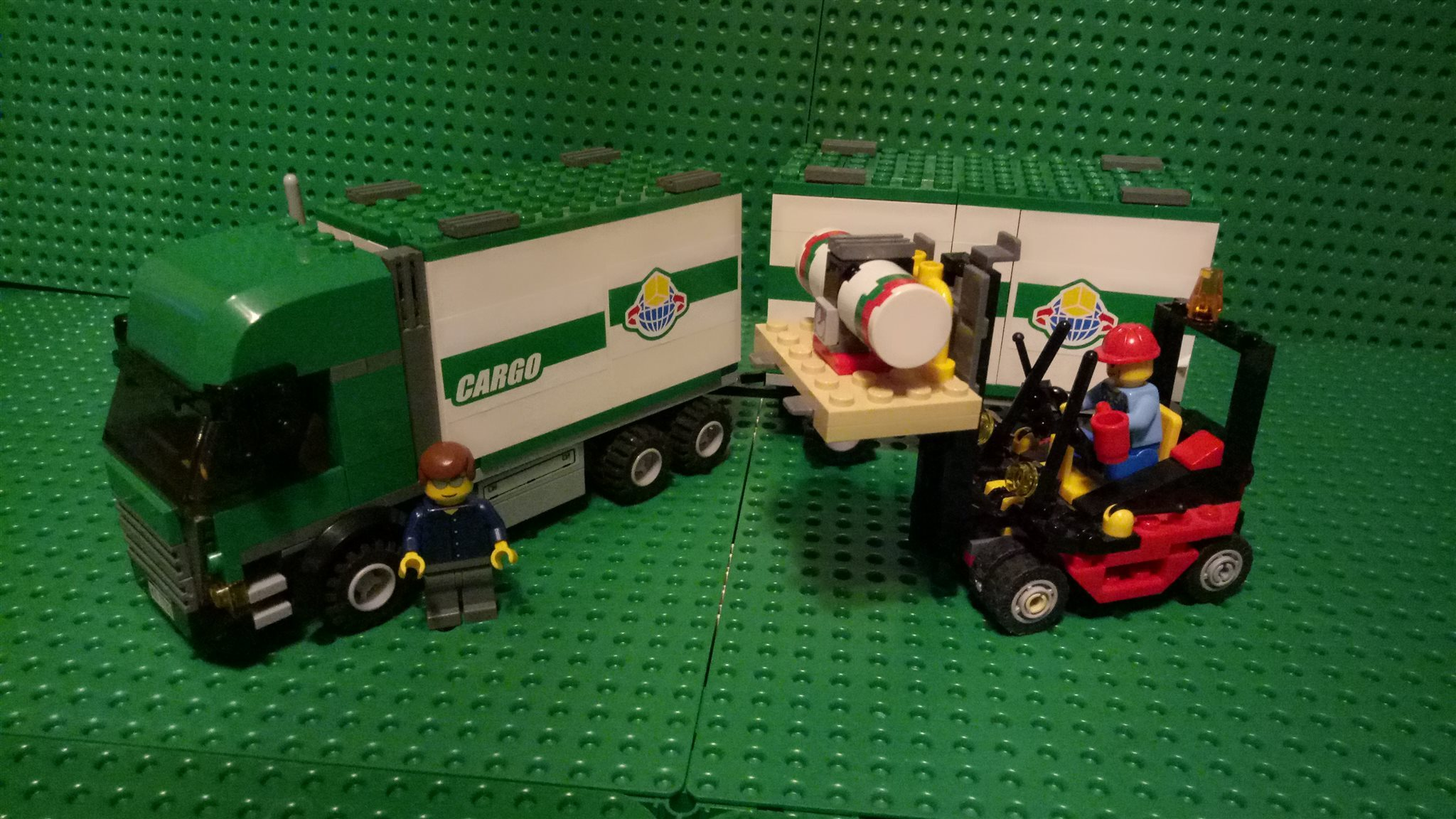 Lego City Town - Cargo Truck & forklift 7733