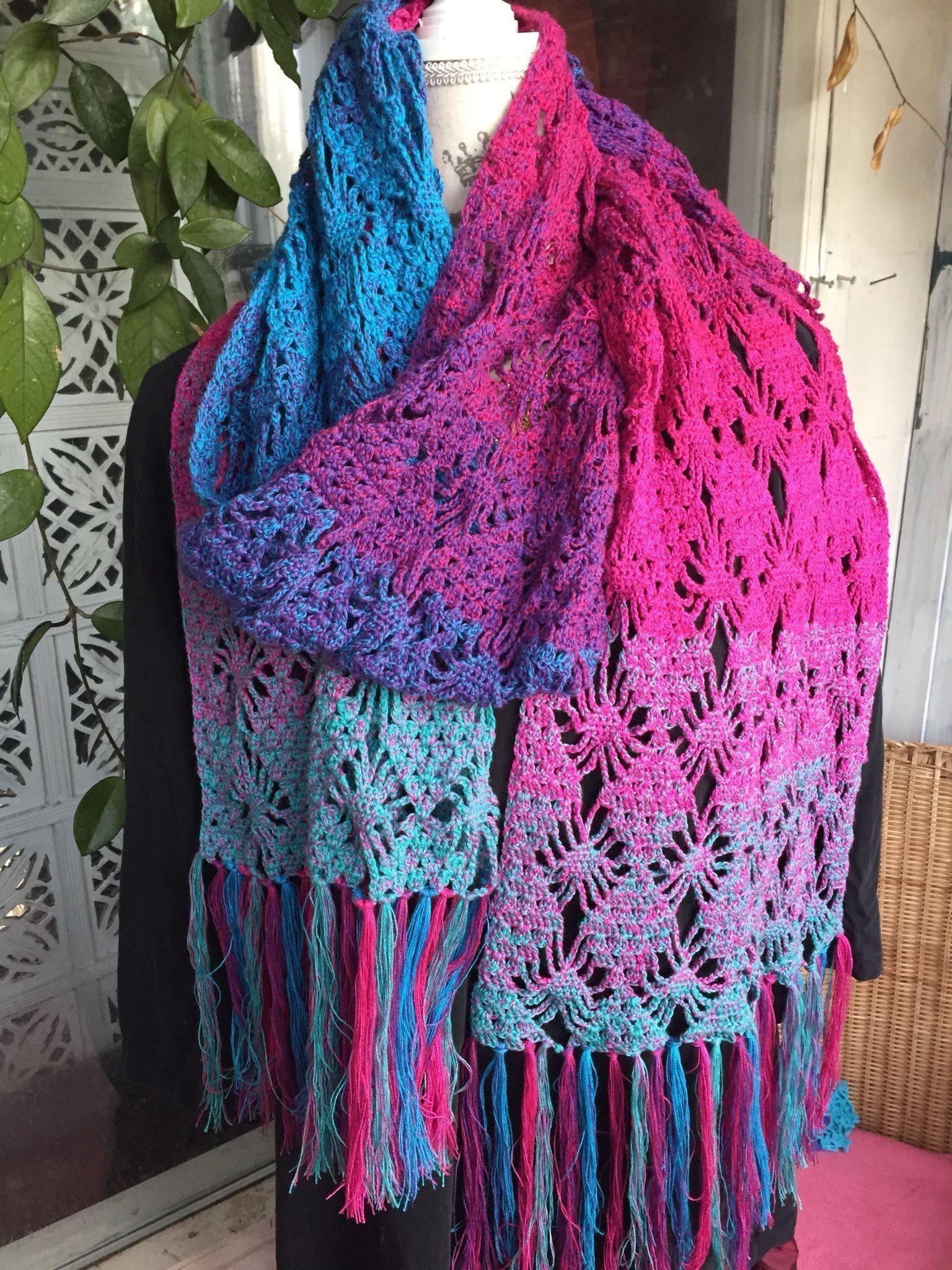Sjal halsduk m fransar lila rosa turkos hand virkad bomull ny spindel  mönster ab1735b8f4beb