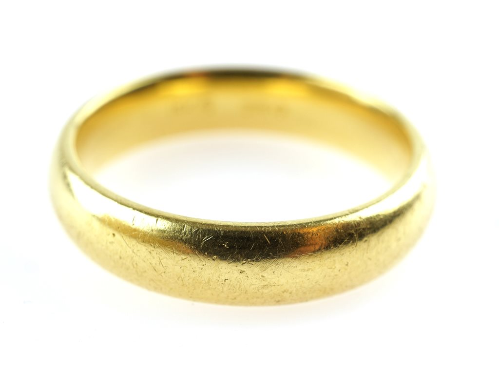 RING, 18K, 18,2mm, 8,20g, guld, namngravyr, b: 4,3mm.