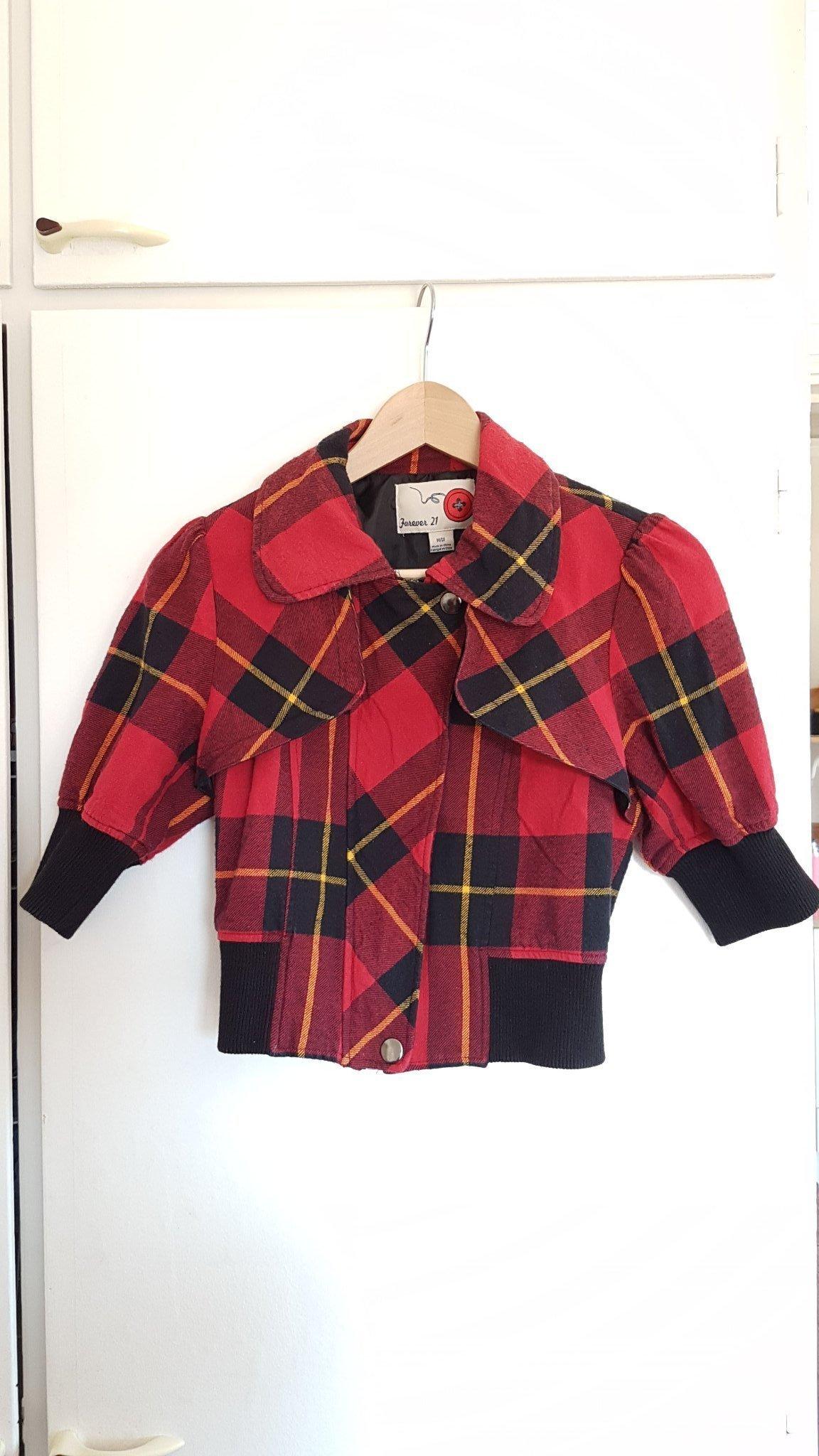 c3756ece Kort tröja, jacka, bolero i skotskrutigt och svart från Forever 21, ...