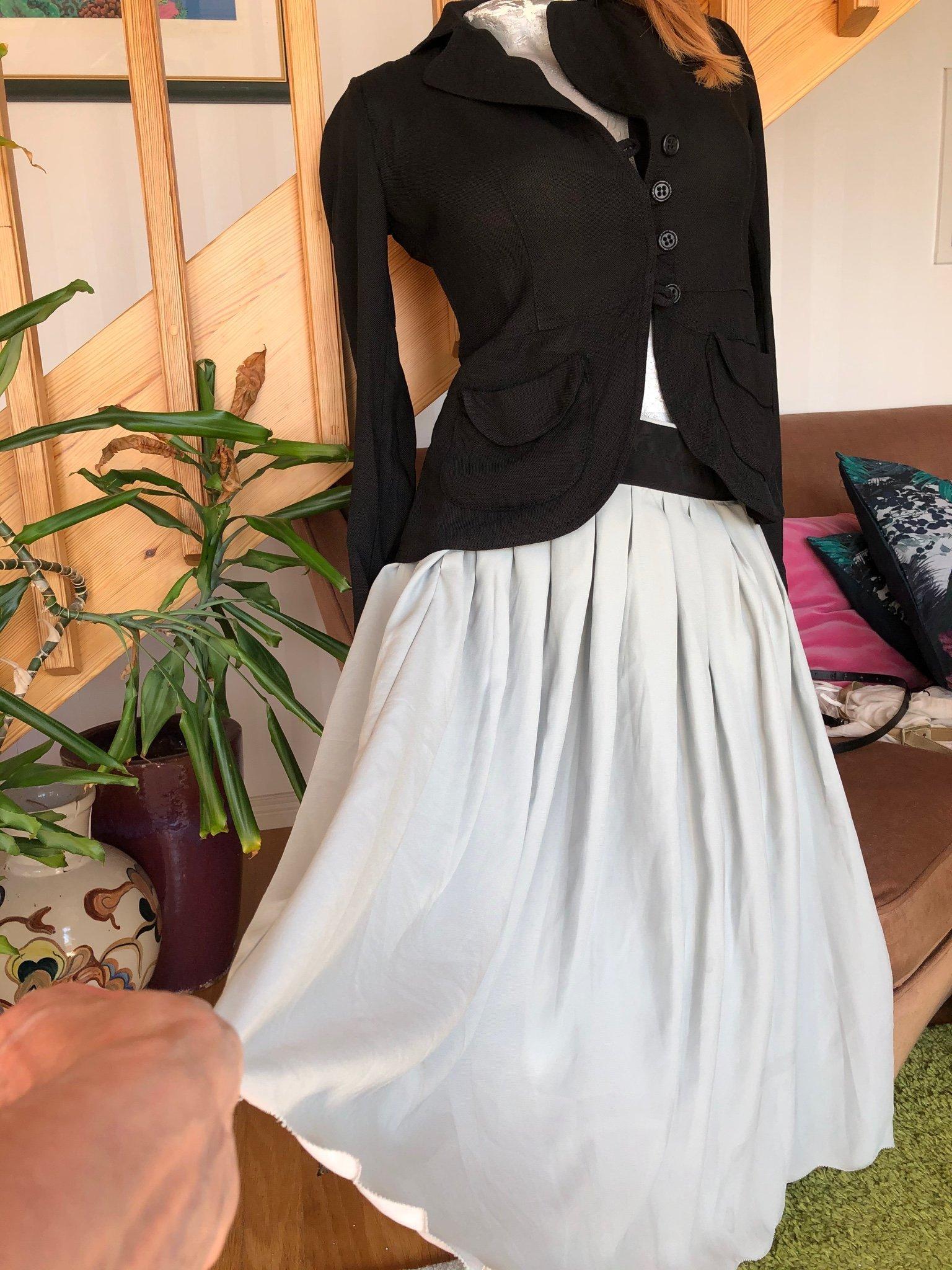 2 match vintageretro plagg: veckad PE kjol+ sv.. (404861062