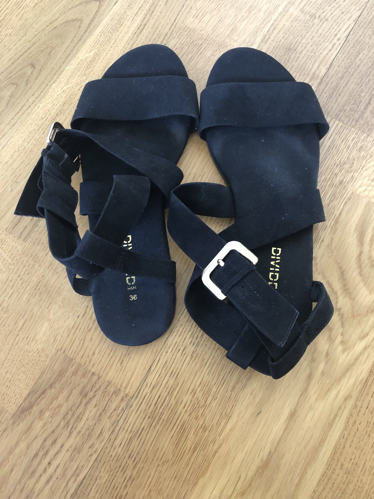591dfc106ca Snygga sandaler från H&M. Strl: 36 (353013897) ᐈ Köp på Tradera