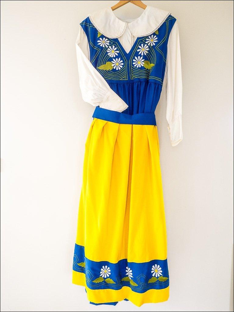 d6d535ddb0d Sverigedräkt, folkdräkt, sverigeklänning (350882742) ᐈ Köp på Tradera
