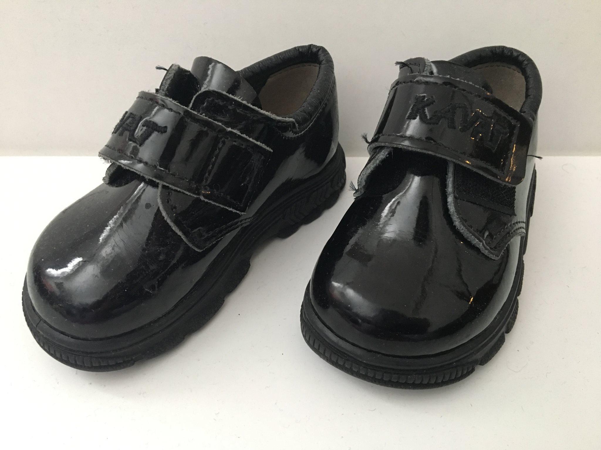 84c978d44be Snygga skor ( lackskor ) från kavat, storlek 22 (340150165) ᐈ Köp ...