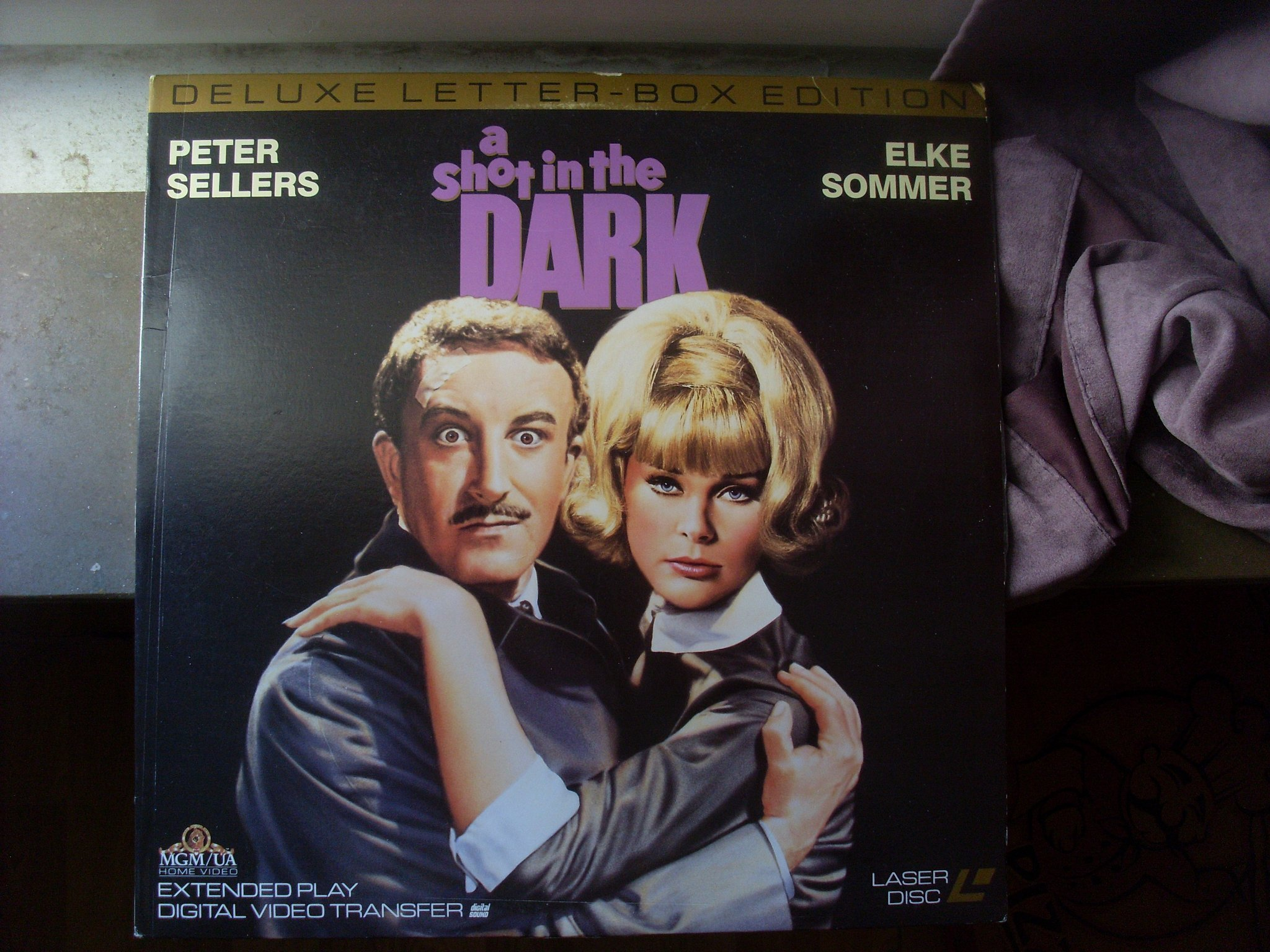 Laserdisc shot in the dark 1964 peter sellers blake edwards NTSC USA WS