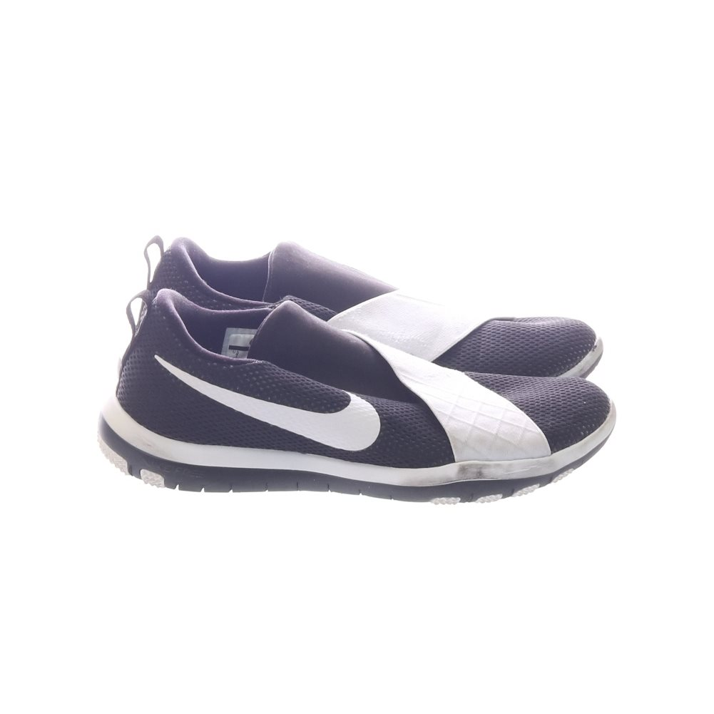 sale retailer 6e314 cb0dd Nike, Träningsskor, Strl  38, Taining, Svart Vit