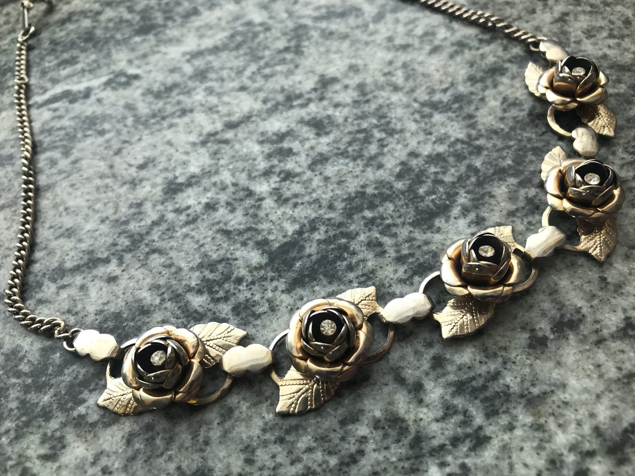 Dekorativ Halsband Rosor Fest Jul Nyår Elegant Smycke Romantisk Ros Strass 37bcebdf8cbe7