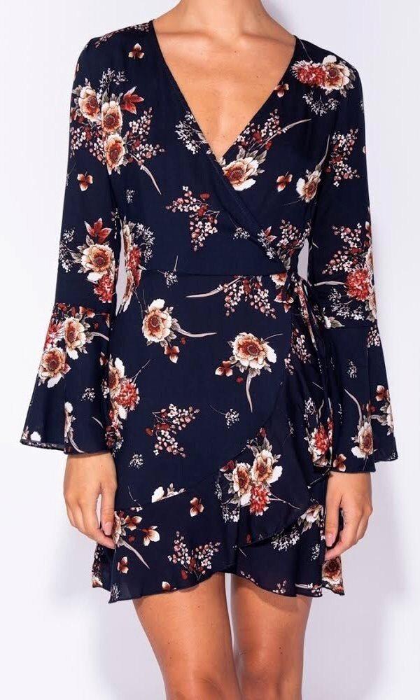 a59b5639920 Ny marinblå 40 large mini klänning blommig v-ringad långärmad asos volang  boho
