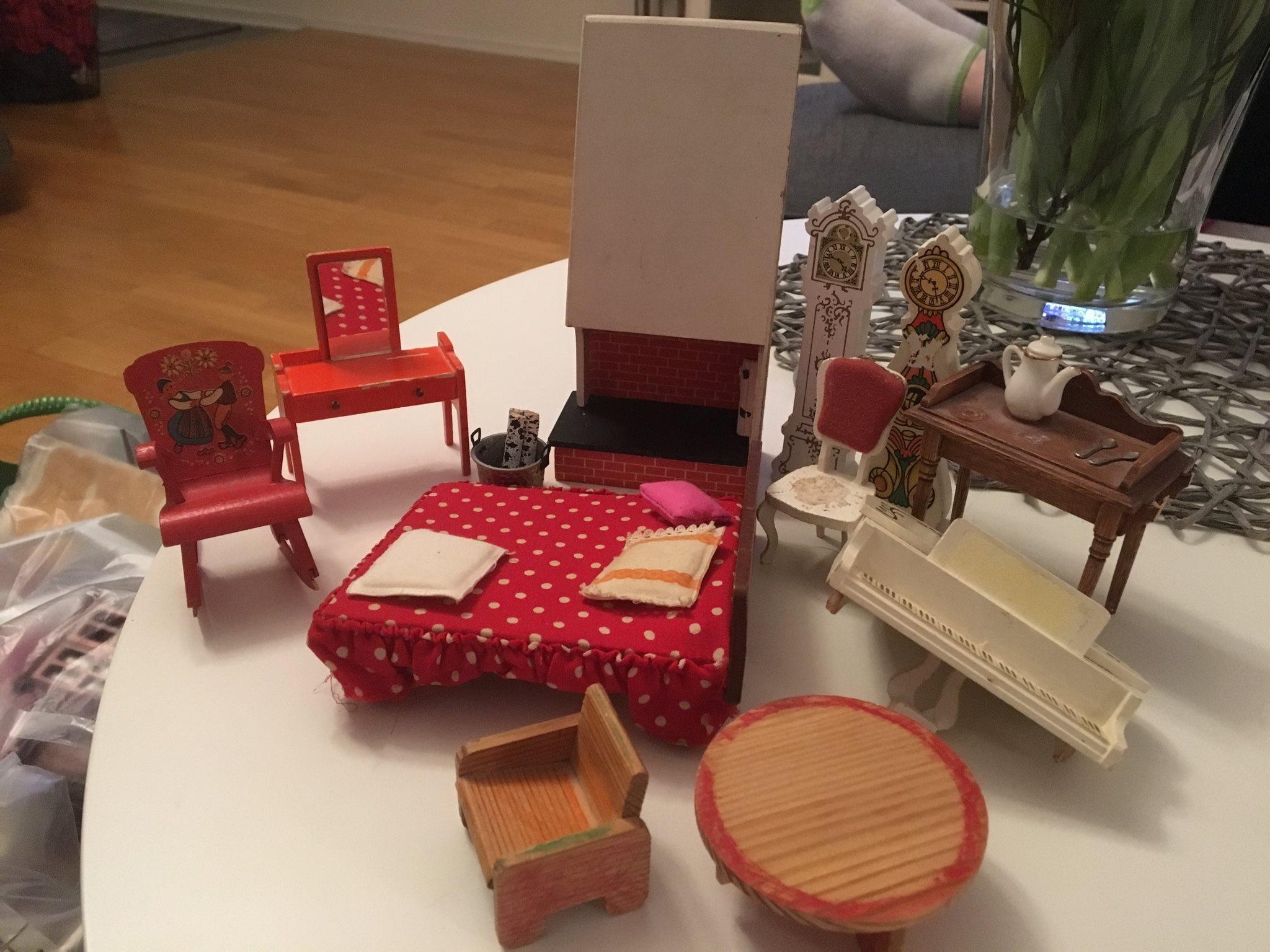 dockhusmöbler lundby defekta och annorlunda möbler på tradera -