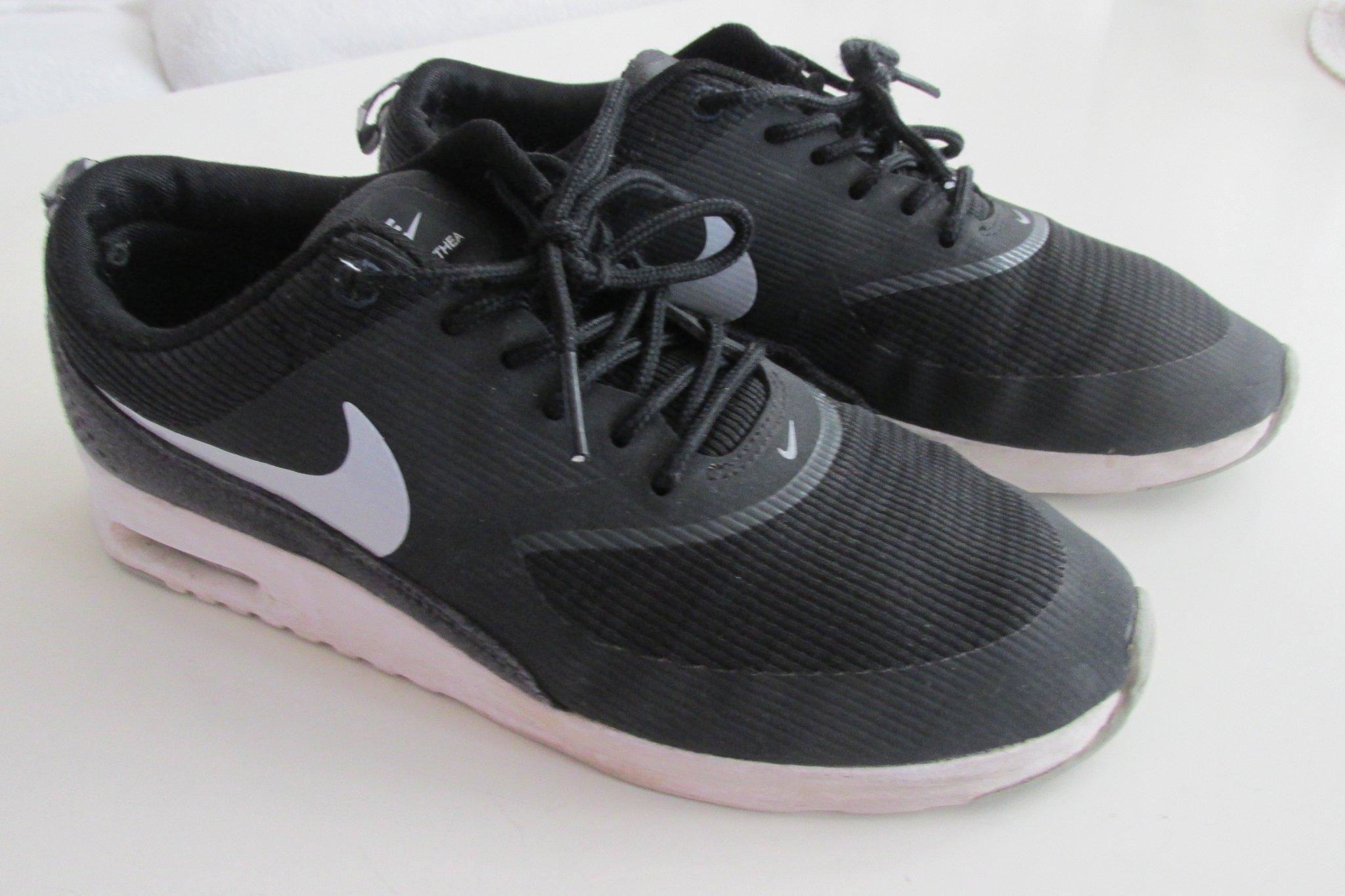 Nike AIR MAX THEA sneakers Vit & svart