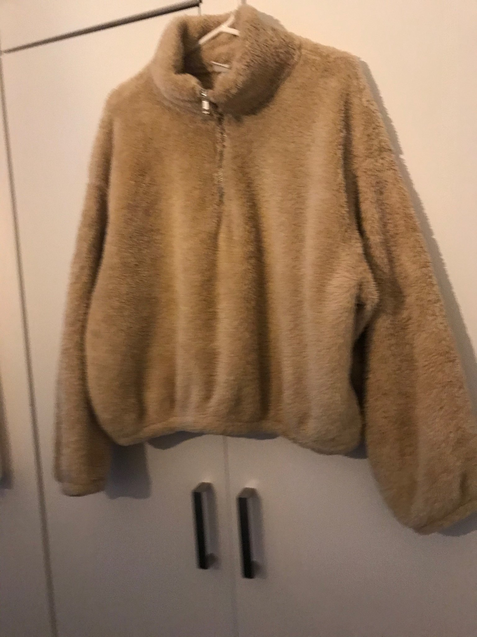 Populär Teddy tröja från hm. Storlek 38
