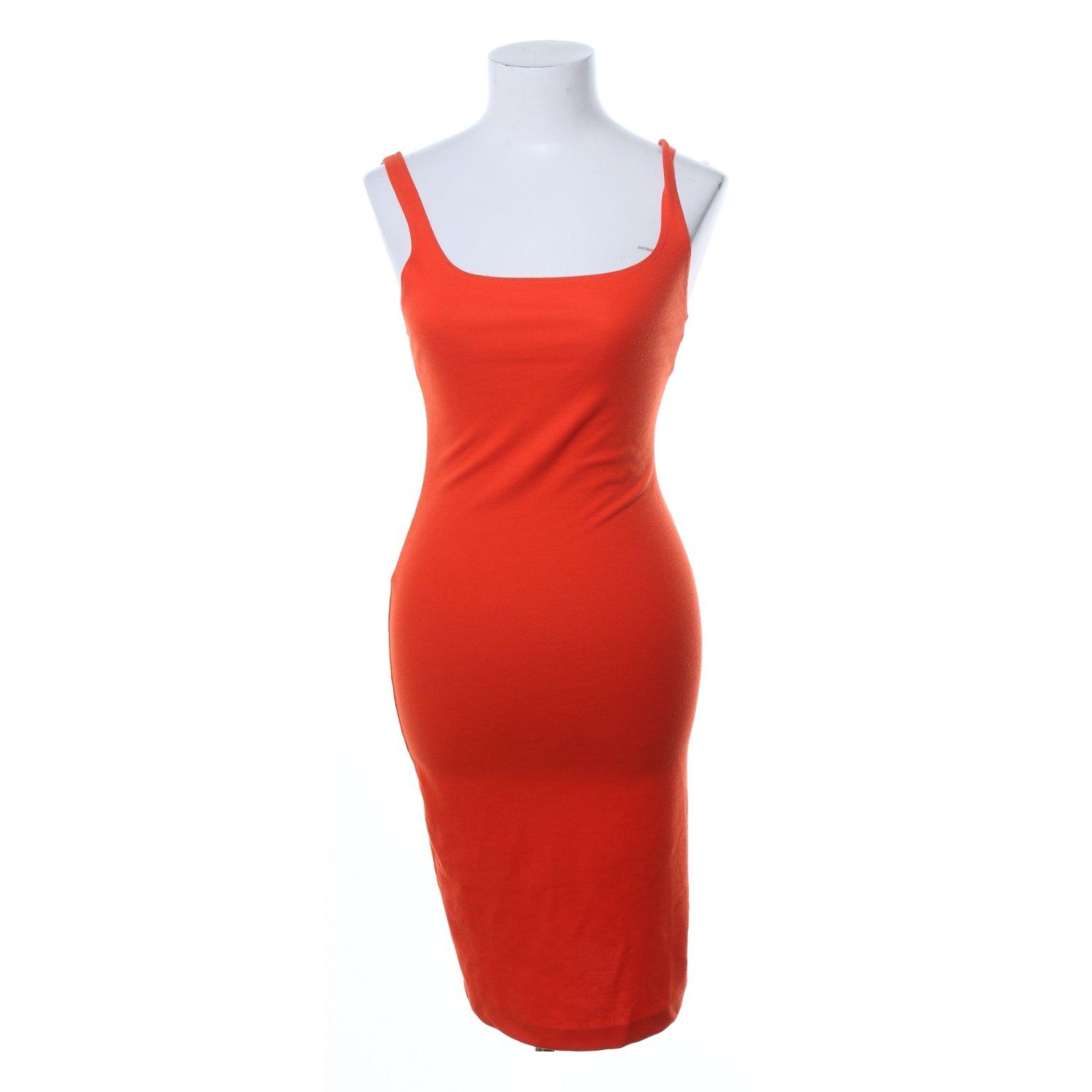 röd tajt klänning