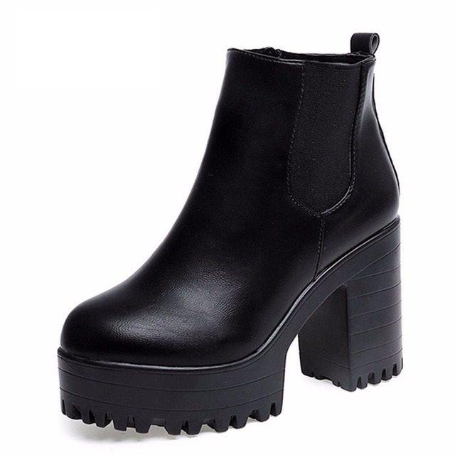 svarta boots med klack