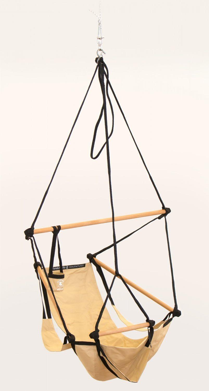 0a82e3440 Ramen r tillverkad av stl och hängstol svart rotting