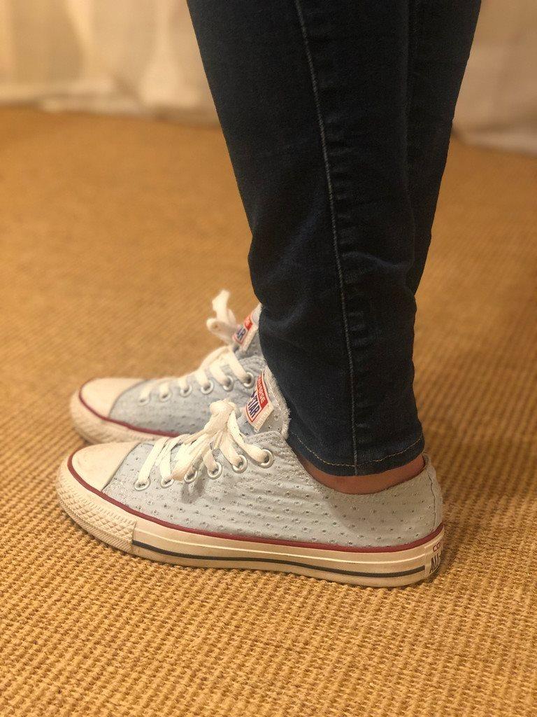 d7828036ca0 CONVERSE ljusblå skor låga sneakers med struktur och vita detaljer 37,5 38
