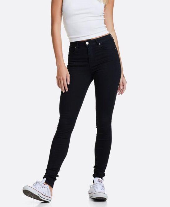 bikbok svarta jeans