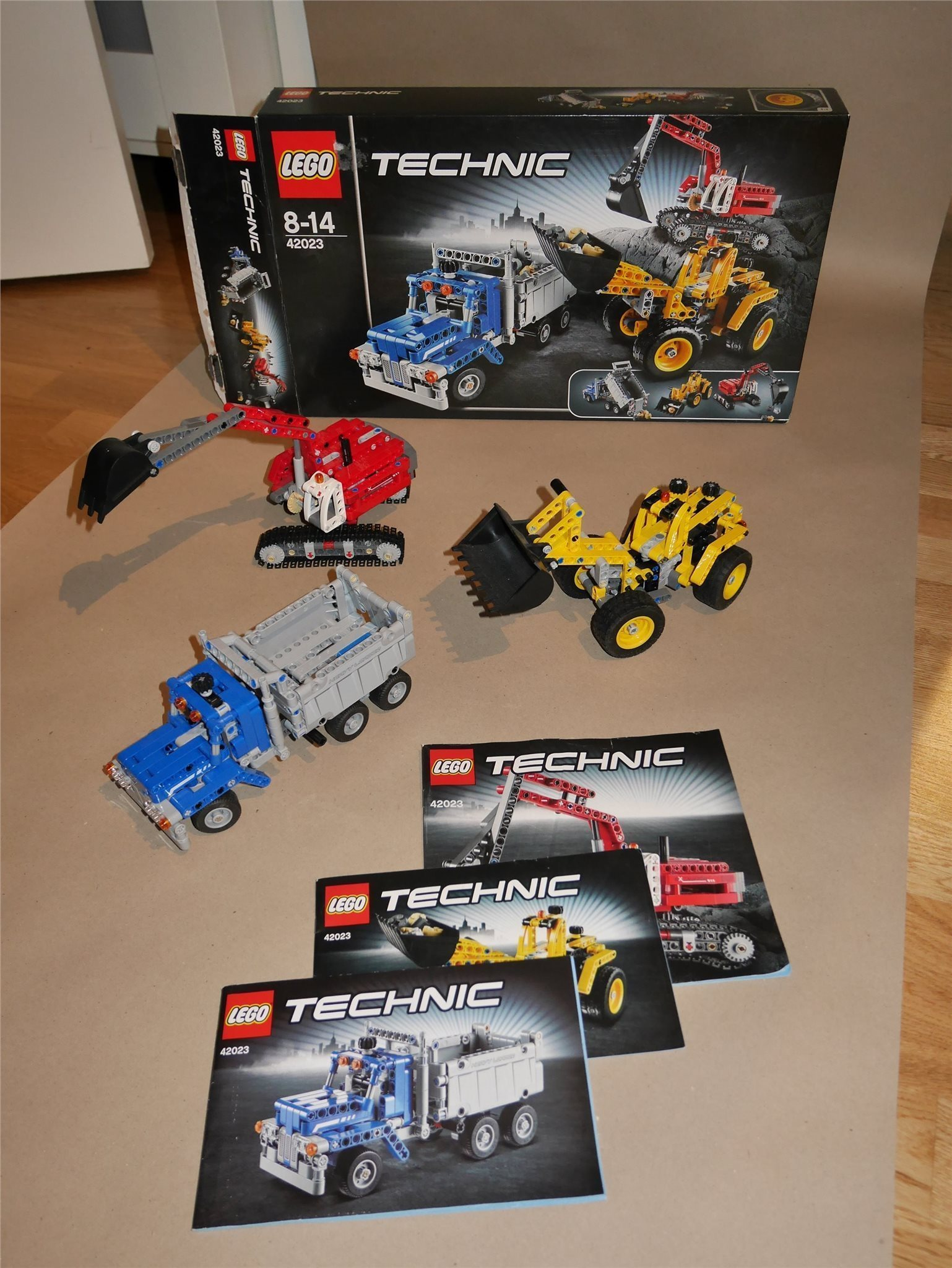 LEGO Technic 42023 Byggfordon / Komplett med manual och kartong