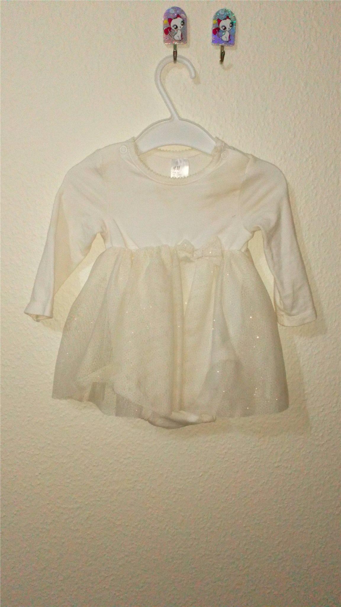 Baby klänningar i storlek 62 för 2 till 4 månad.. (331791278) ᐈ Köp ... 4824fc45c2c0a