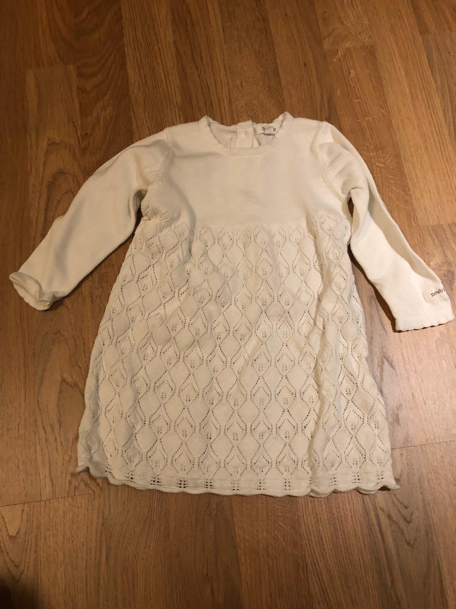 newbie stickad klänning