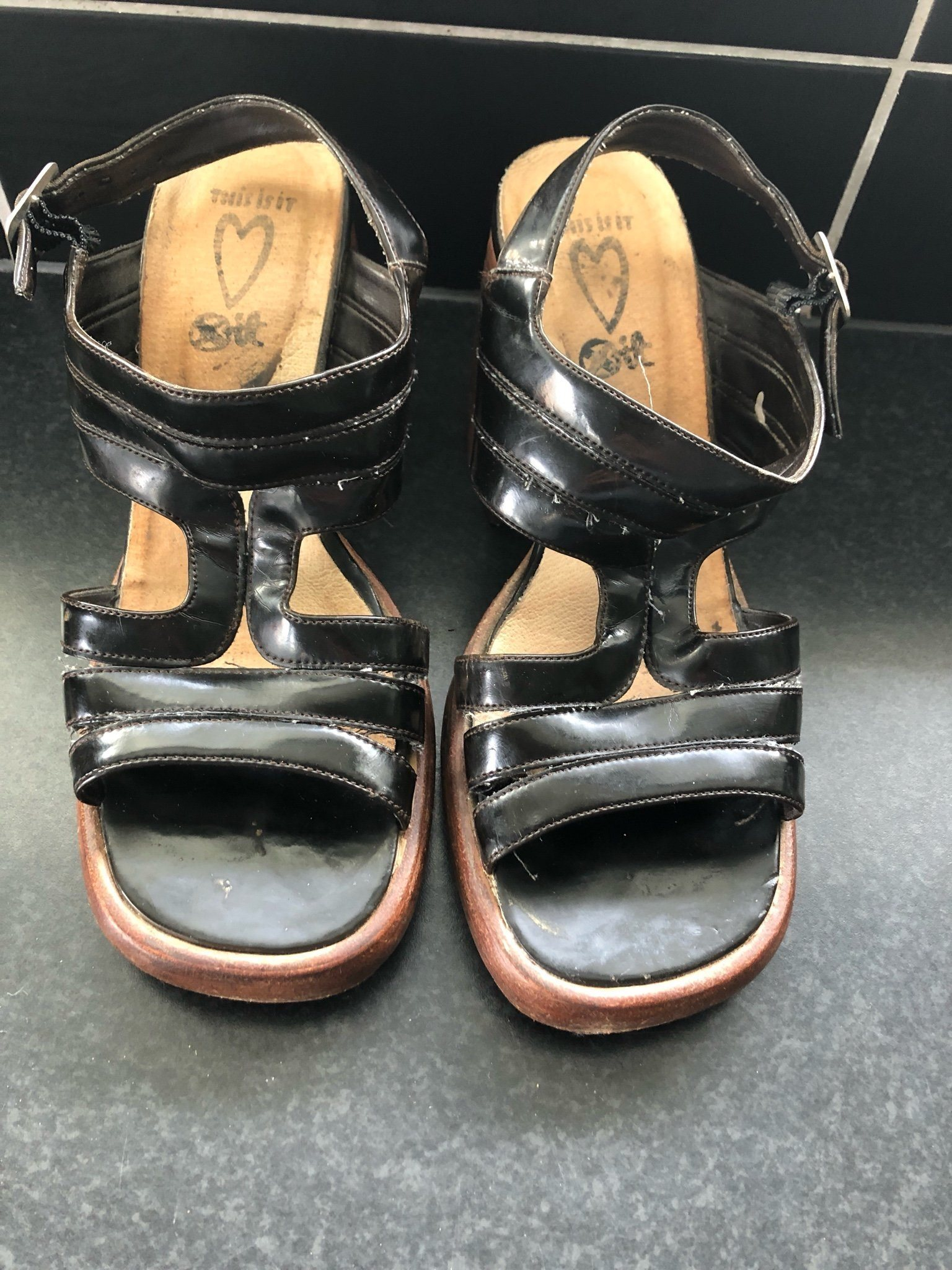 sandaletter med träklack
