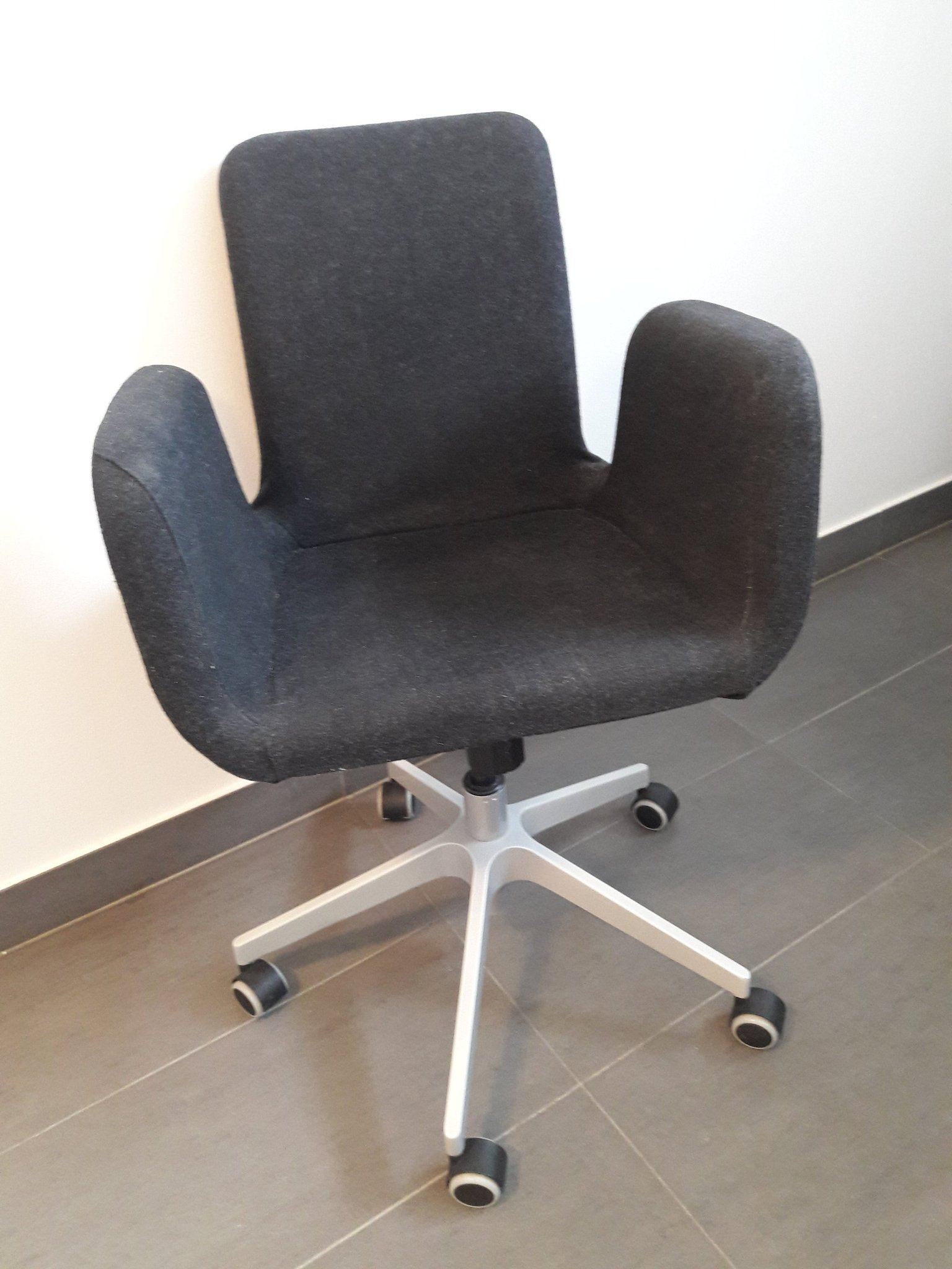 Bra Skrivbordsstol/kontorsstol mörkgrå, snygg design (358612755) ᐈ GD-68