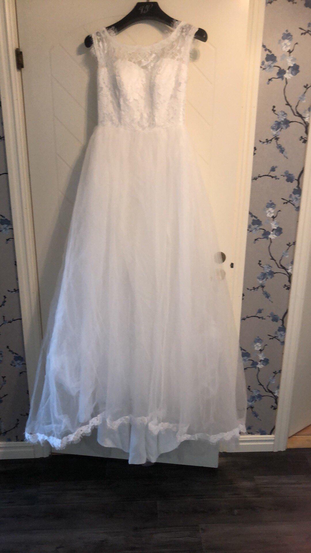 273384448599 Säljes ny oanvänd brudklänning stl 34/36 (350341594) ᐈ Köp på Tradera