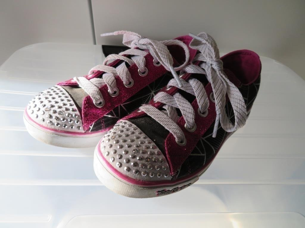 *** Twinkle toes by Sketchers, EUR 30, 19 cm ***
