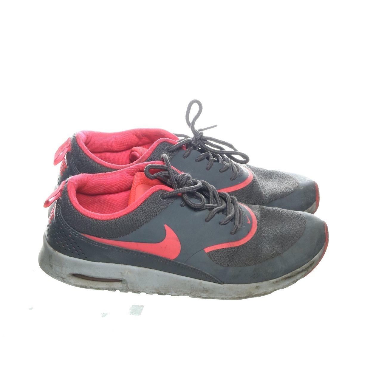 detailed pictures bb106 24e88 Nike, Träningsskor, Strl  39, Air max thea, Grå Rosa