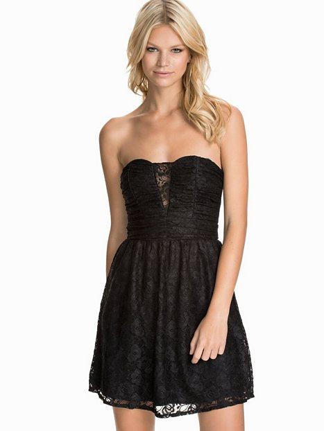 62d986791142 Svart fin söt bandeau klänning tubklänning blommig spets NELLY XXS XS fest  party ...