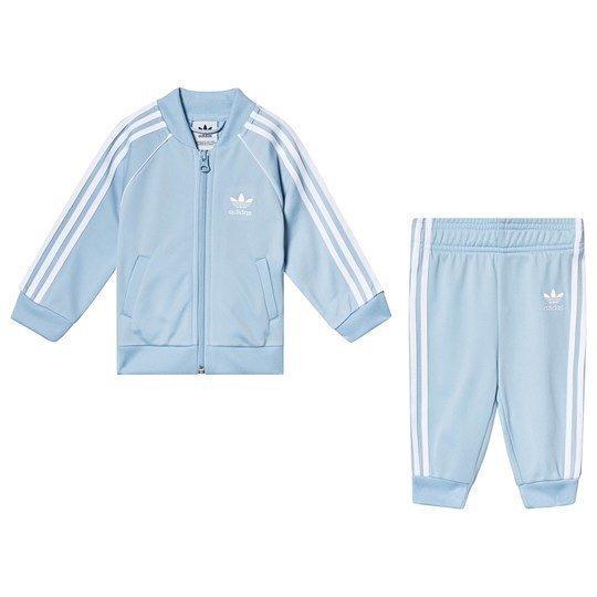 HELT NY med lapp! Ljusblå Adidas set Originals Superstar Tracksuit, strl 80