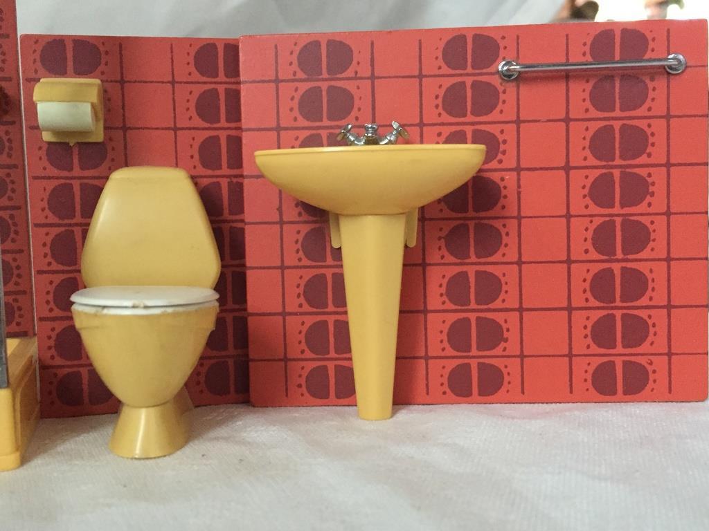 Begagnad badrumsinredning – persienner perstorp