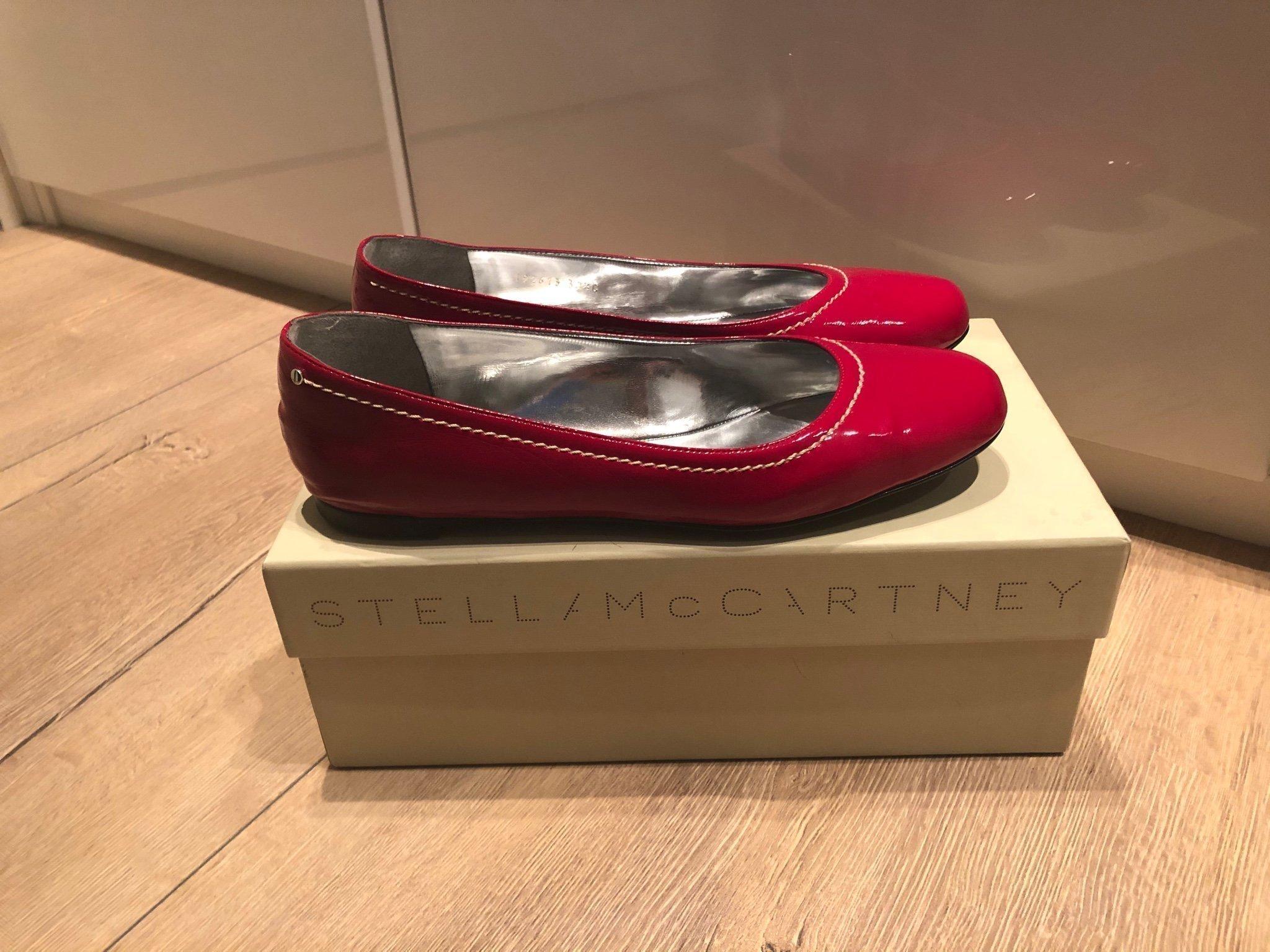 Superfina röda ballerina skor från Stella McCartney, storlek 37,5